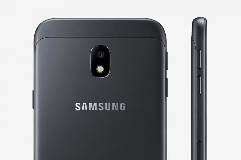 Samsung Idealnie płaska bryła. Aparat niewystający poza obudowę